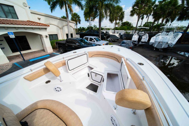 Thumbnail 33 for New 2019 Sportsman Heritage 211 Center Console boat for sale in Miami, FL