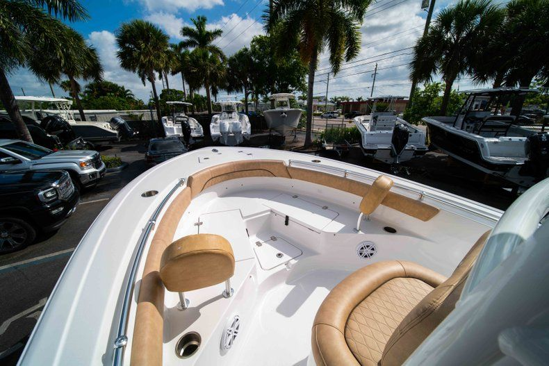 Thumbnail 32 for New 2019 Sportsman Heritage 211 Center Console boat for sale in Miami, FL