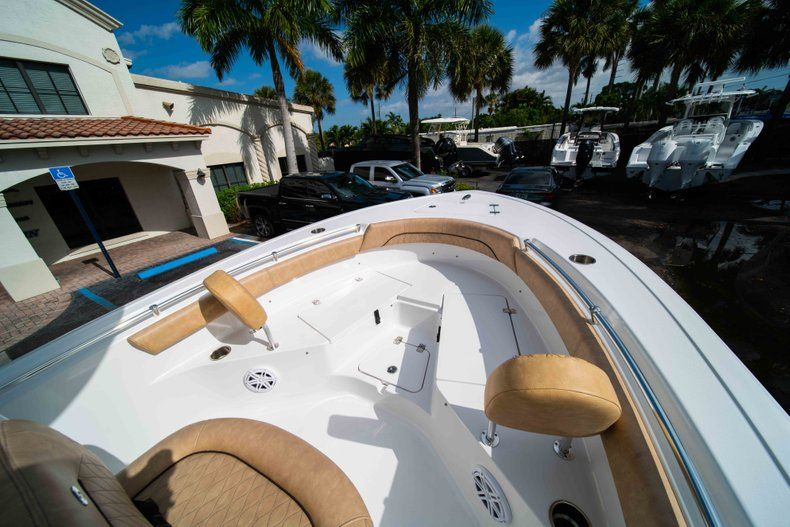 Thumbnail 31 for New 2019 Sportsman Heritage 211 Center Console boat for sale in Miami, FL