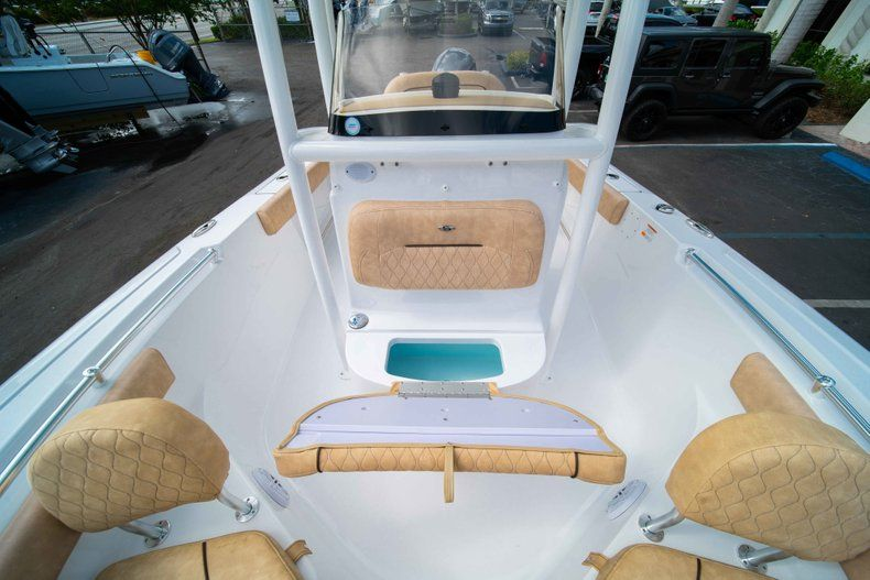 Thumbnail 39 for New 2019 Sportsman Heritage 211 Center Console boat for sale in Miami, FL