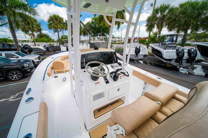 Thumbnail 21 for New 2019 Sportsman Heritage 211 Center Console boat for sale in Miami, FL