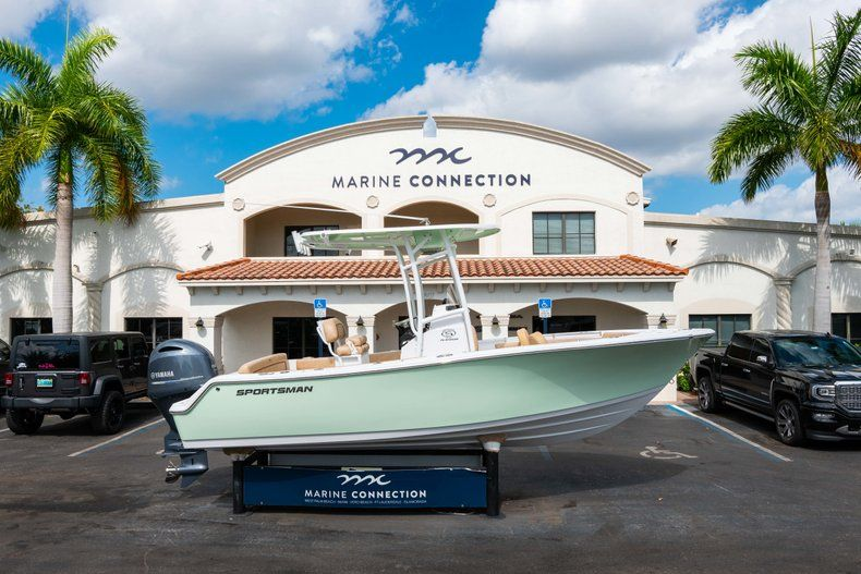 Thumbnail 0 for New 2019 Sportsman Heritage 211 Center Console boat for sale in Miami, FL