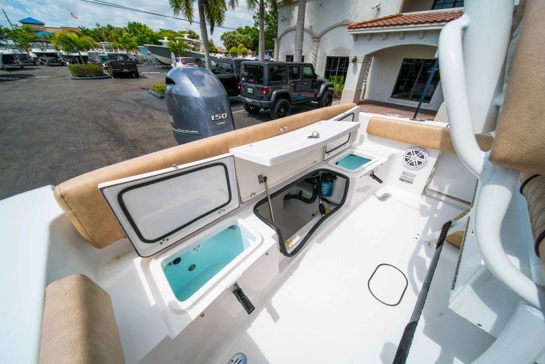 Thumbnail 18 for New 2019 Sportsman Heritage 211 Center Console boat for sale in Miami, FL