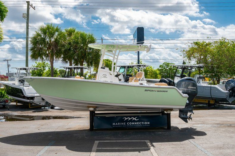 Thumbnail 4 for New 2019 Sportsman Heritage 211 Center Console boat for sale in Miami, FL