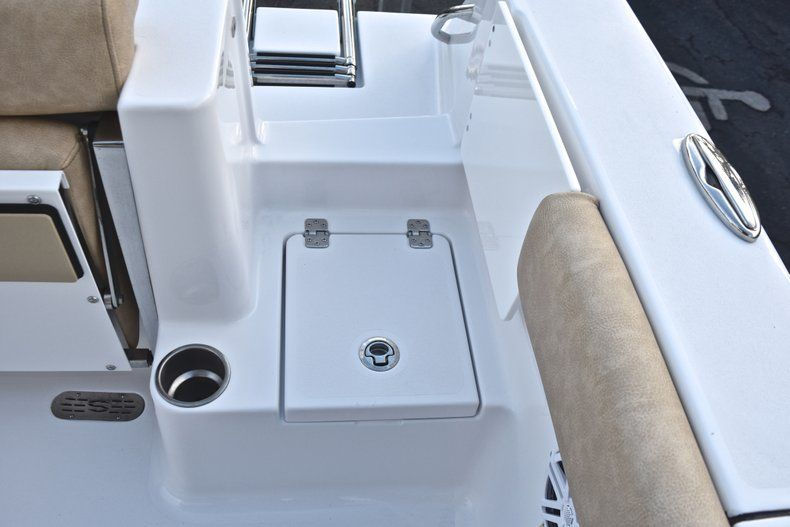 Thumbnail 16 for New 2019 Sportsman Open 232 Center Console boat for sale in West Palm Beach, FL