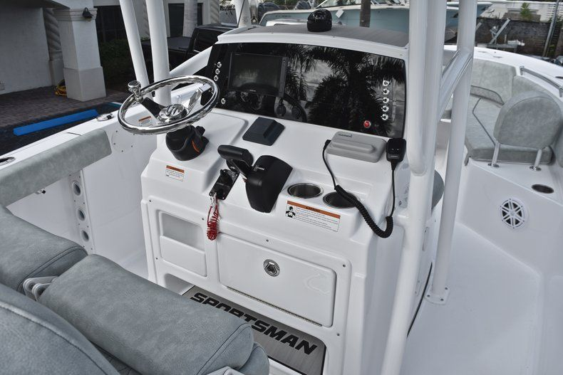 Thumbnail 28 for New 2019 Sportsman Open 232 Center Console boat for sale in Fort Lauderdale, FL