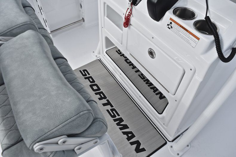 Thumbnail 39 for New 2019 Sportsman Open 232 Center Console boat for sale in Fort Lauderdale, FL