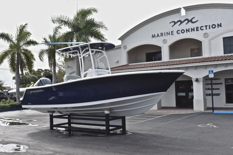 Thumbnail 1 for New 2019 Sportsman Open 232 Center Console boat for sale in Fort Lauderdale, FL