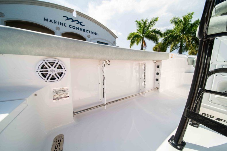 Thumbnail 14 for New 2019 Sportsman Heritage 231 Center Console boat for sale in Fort Lauderdale, FL