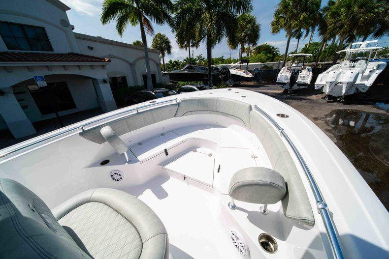 Thumbnail 36 for New 2019 Sportsman Heritage 231 Center Console boat for sale in Fort Lauderdale, FL