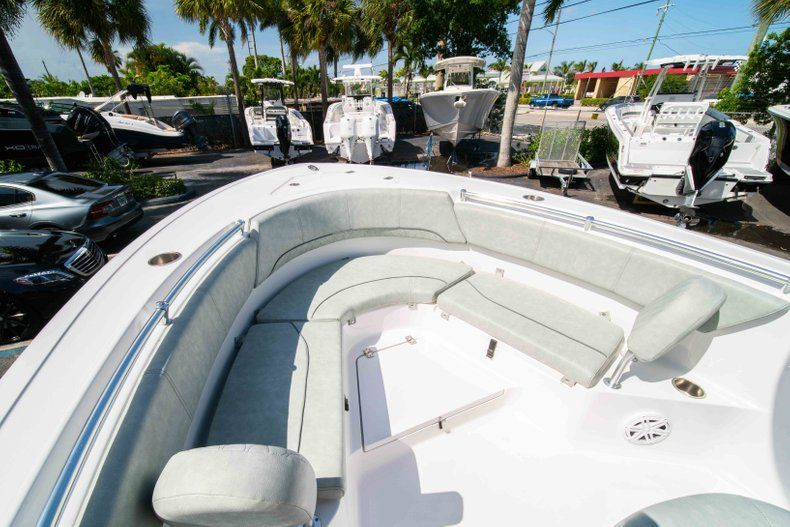 Thumbnail 34 for New 2019 Sportsman Heritage 231 Center Console boat for sale in Fort Lauderdale, FL