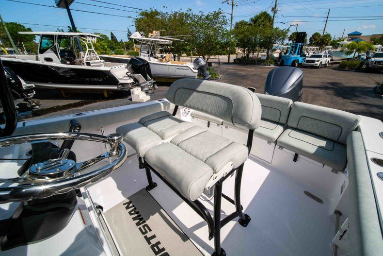 Thumbnail 33 for New 2019 Sportsman Heritage 231 Center Console boat for sale in Fort Lauderdale, FL