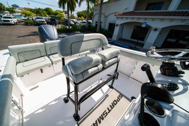 Thumbnail 30 for New 2019 Sportsman Heritage 231 Center Console boat for sale in Fort Lauderdale, FL