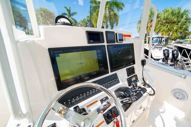 Thumbnail 28 for New 2019 Cobia 320 Center Console boat for sale in Islamorada, FL