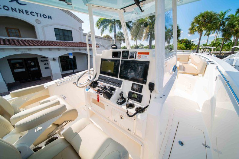 Thumbnail 25 for New 2019 Cobia 320 Center Console boat for sale in Islamorada, FL