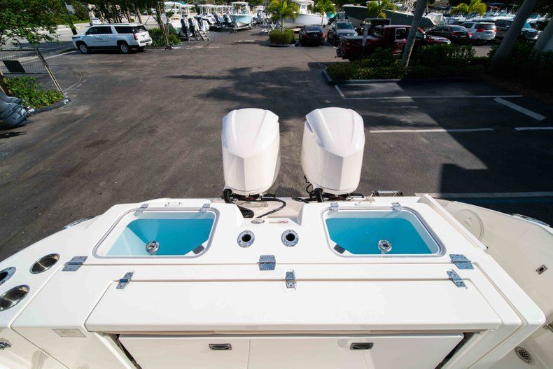 Thumbnail 17 for New 2019 Cobia 320 Center Console boat for sale in Islamorada, FL