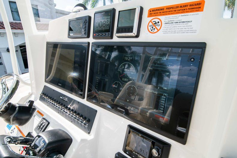 Thumbnail 26 for New 2019 Cobia 320 Center Console boat for sale in Islamorada, FL