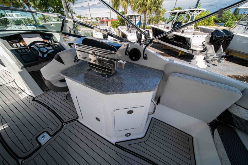 Thumbnail 13 for New 2019 Hurricane SD 2690 OB boat for sale in Vero Beach, FL