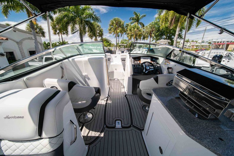 Thumbnail 18 for New 2019 Hurricane SD 2690 OB boat for sale in Vero Beach, FL