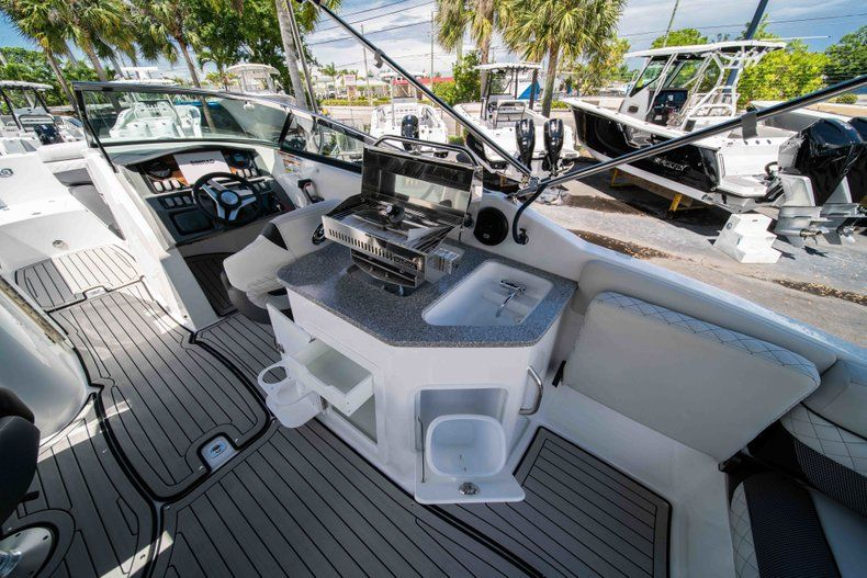 Thumbnail 14 for New 2019 Hurricane SD 2690 OB boat for sale in Vero Beach, FL