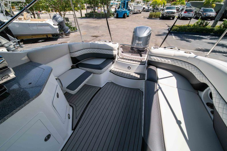 Thumbnail 11 for New 2019 Hurricane SD 2690 OB boat for sale in Vero Beach, FL