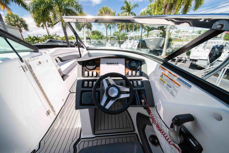 Thumbnail 20 for New 2019 Hurricane SD 2690 OB boat for sale in Vero Beach, FL
