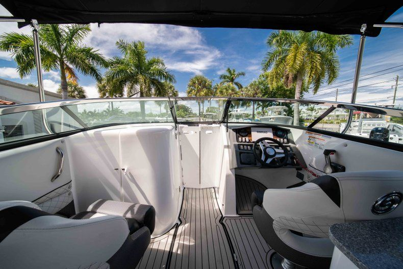 Thumbnail 27 for New 2019 Hurricane SD 2690 OB boat for sale in Vero Beach, FL
