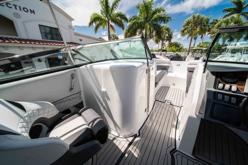 Thumbnail 25 for New 2019 Hurricane SD 2690 OB boat for sale in Vero Beach, FL