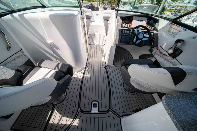 Thumbnail 22 for New 2019 Hurricane SD 2690 OB boat for sale in Vero Beach, FL