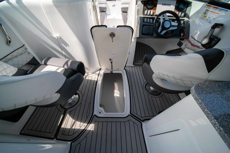 Thumbnail 23 for New 2019 Hurricane SD 2690 OB boat for sale in Vero Beach, FL
