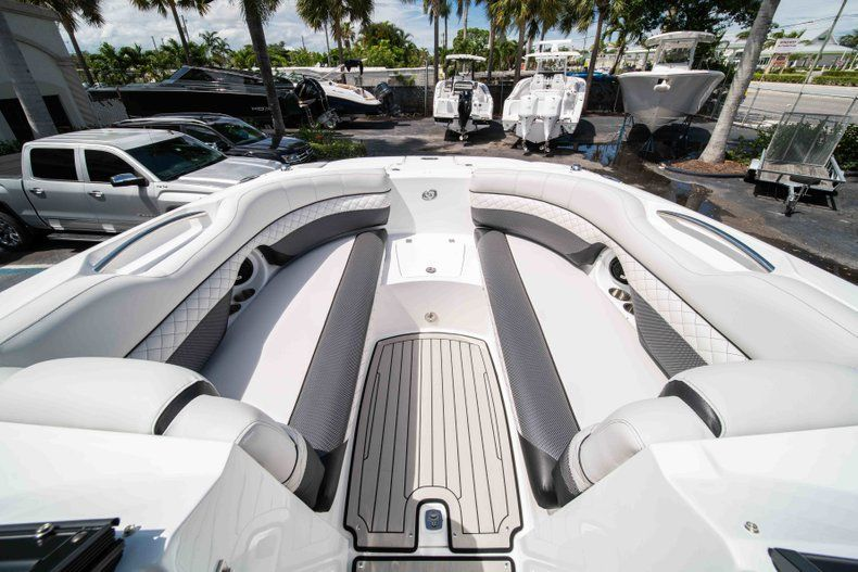 Thumbnail 33 for New 2019 Hurricane SD 2690 OB boat for sale in Vero Beach, FL