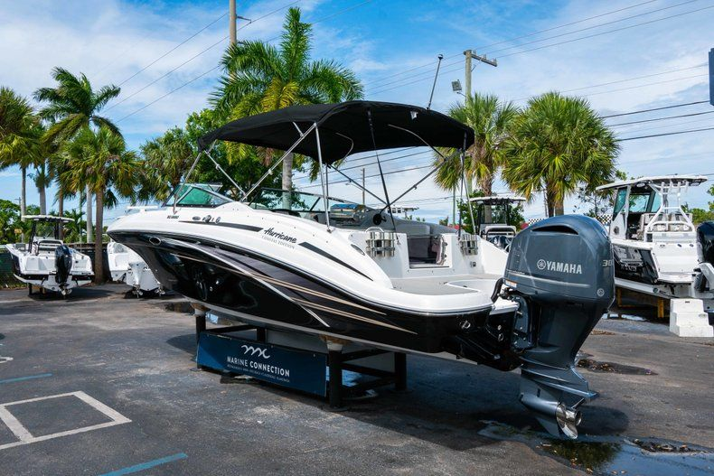 Thumbnail 5 for New 2019 Hurricane SD 2690 OB boat for sale in Vero Beach, FL