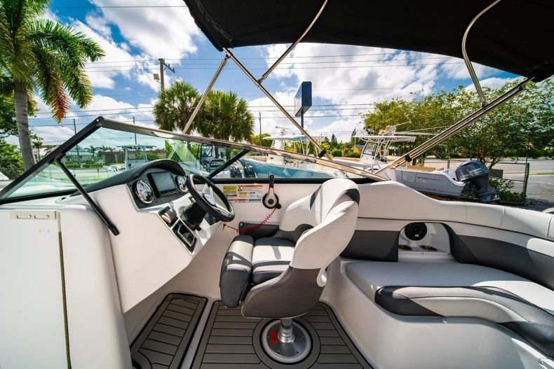 Image 19 for 2019 Hurricane SunDeck SD 2486 OB in West Palm Beach, FL