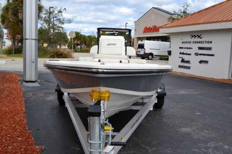 Thumbnail 2 for New 2019 Hewes Redfisher 18 boat for sale in Vero Beach, FL