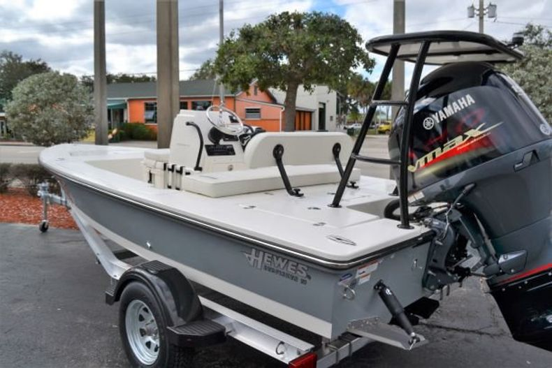 Thumbnail 3 for New 2019 Hewes Redfisher 18 boat for sale in Vero Beach, FL
