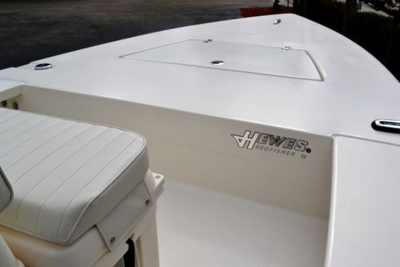 Thumbnail 10 for New 2019 Hewes Redfisher 18 boat for sale in Vero Beach, FL