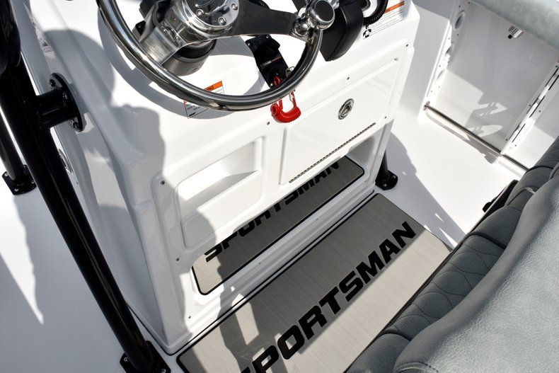 Thumbnail 47 for New 2019 Sportsman Open 232 Center Console boat for sale in Fort Lauderdale, FL