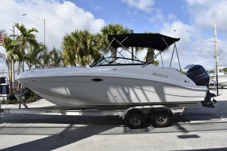 Thumbnail 4 for New 2019 Hurricane SD 2486 OB boat for sale in West Palm Beach, FL