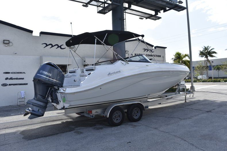 Thumbnail 7 for New 2019 Hurricane SD 2486 OB boat for sale in West Palm Beach, FL