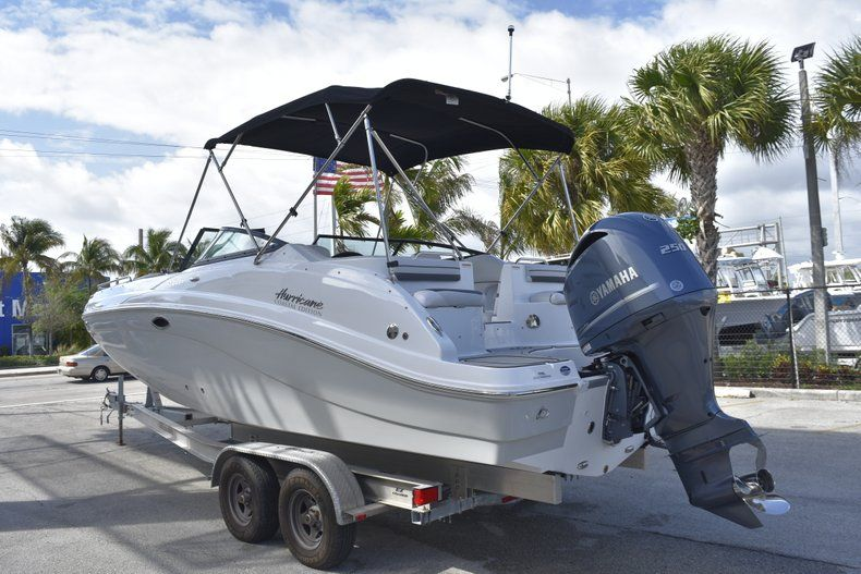 Thumbnail 5 for New 2019 Hurricane SD 2486 OB boat for sale in West Palm Beach, FL