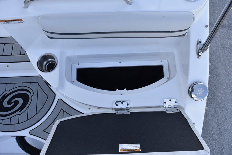 Thumbnail 13 for New 2019 Hurricane SD 2486 OB boat for sale in West Palm Beach, FL