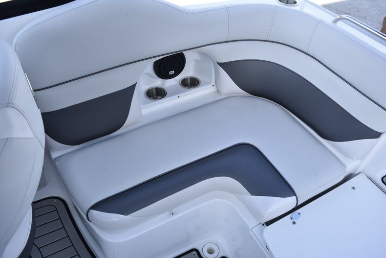 Thumbnail 21 for New 2019 Hurricane SD 2486 OB boat for sale in West Palm Beach, FL