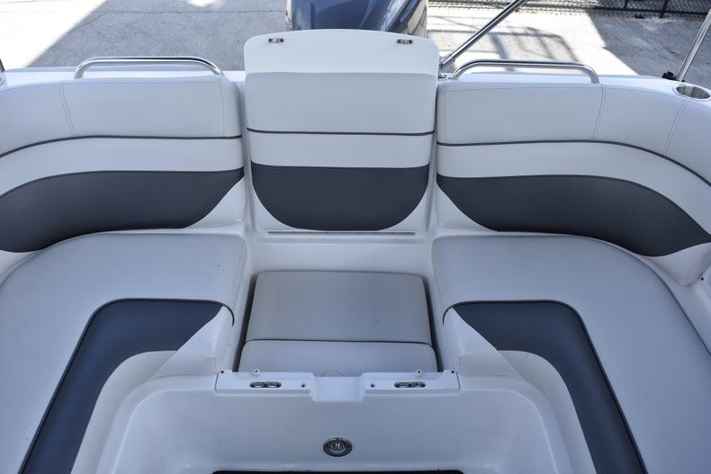 Thumbnail 23 for New 2019 Hurricane SD 2486 OB boat for sale in West Palm Beach, FL