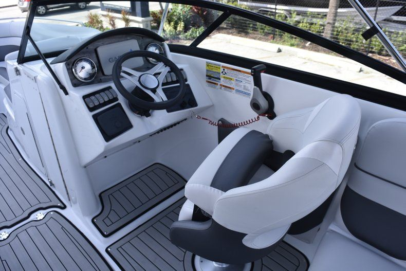 Thumbnail 32 for New 2019 Hurricane SD 2486 OB boat for sale in West Palm Beach, FL