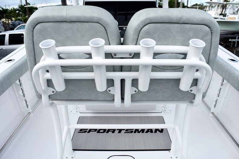 Thumbnail 19 for New 2019 Sportsman Heritage 241 Center Console boat for sale in West Palm Beach, FL