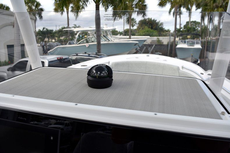 Thumbnail 30 for New 2019 Sportsman Heritage 241 Center Console boat for sale in West Palm Beach, FL