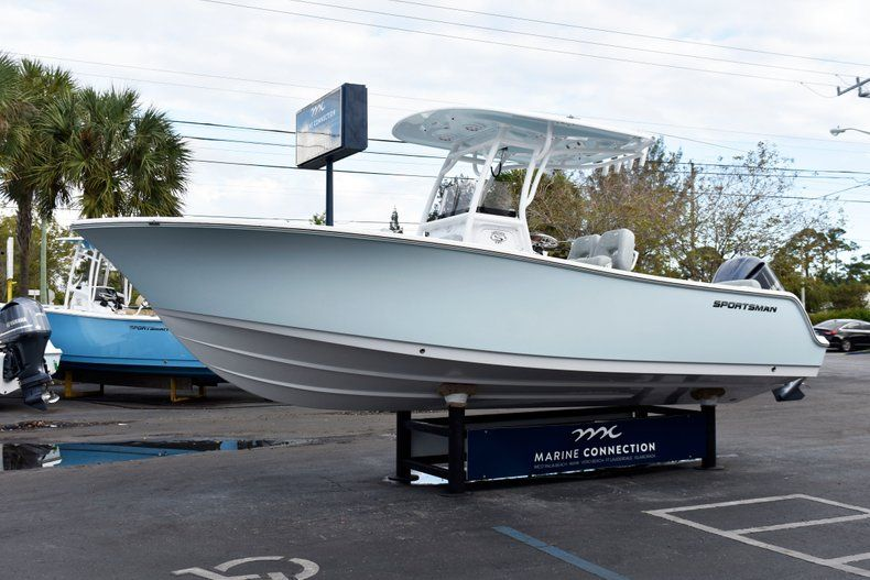 Thumbnail 3 for New 2019 Sportsman Heritage 241 Center Console boat for sale in West Palm Beach, FL