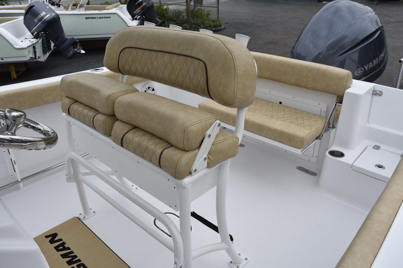 Thumbnail 21 for New 2019 Sportsman Open 232 Center Console boat for sale in Vero Beach, FL