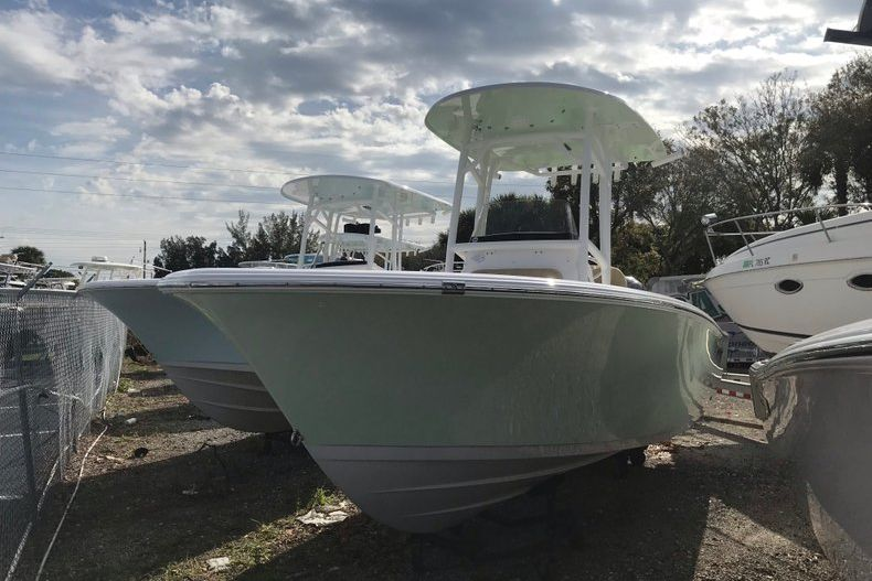 Used 2019 Sportsman Open 212 Center Console boat for sale in Vero Beach, FL