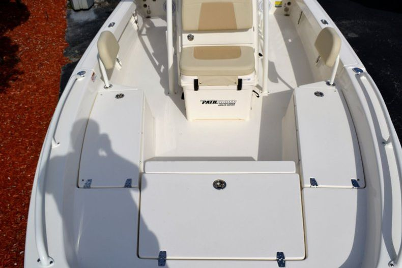 Thumbnail 13 for New 2019 Pathfinder 2200 TRS Bay Boat boat for sale in Vero Beach, FL